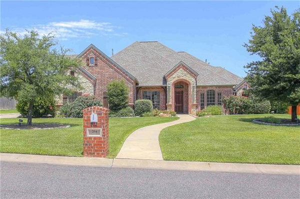 Gorgeous Brick Ranch in Haslet, TX